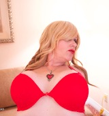 Raven roxx is hot fuck horny and in red.