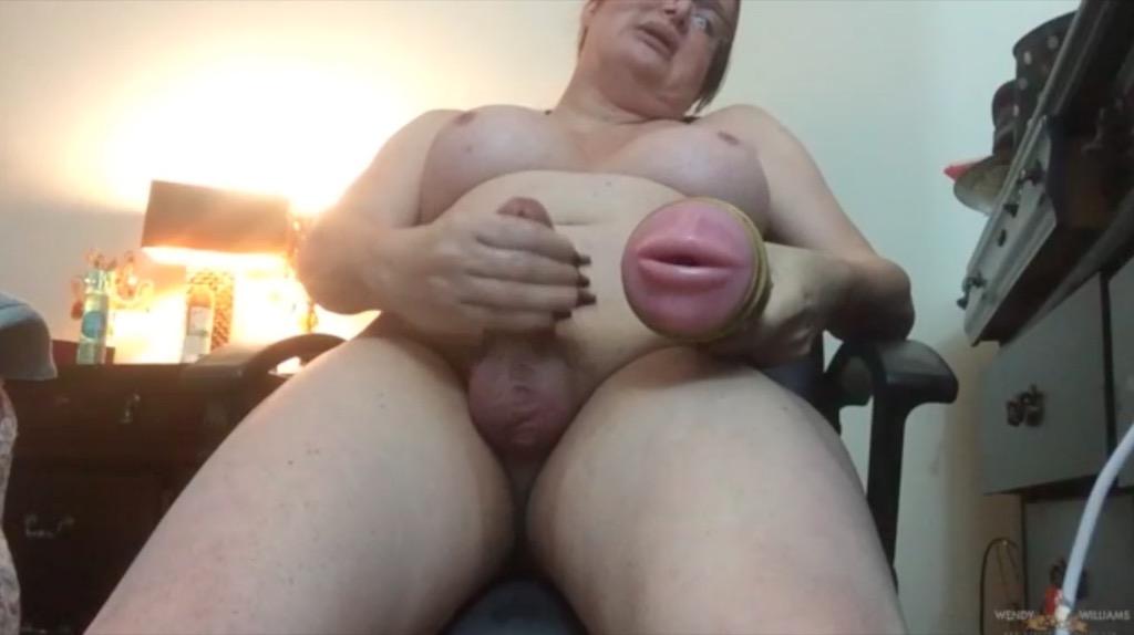 Watch wendy s 2part webcam show twice the jackin twice the cummin.